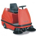 Twin Top TTE 1100 - Подметальщик индустриальный с местом для оператора и активным пылеудалением *под заказ